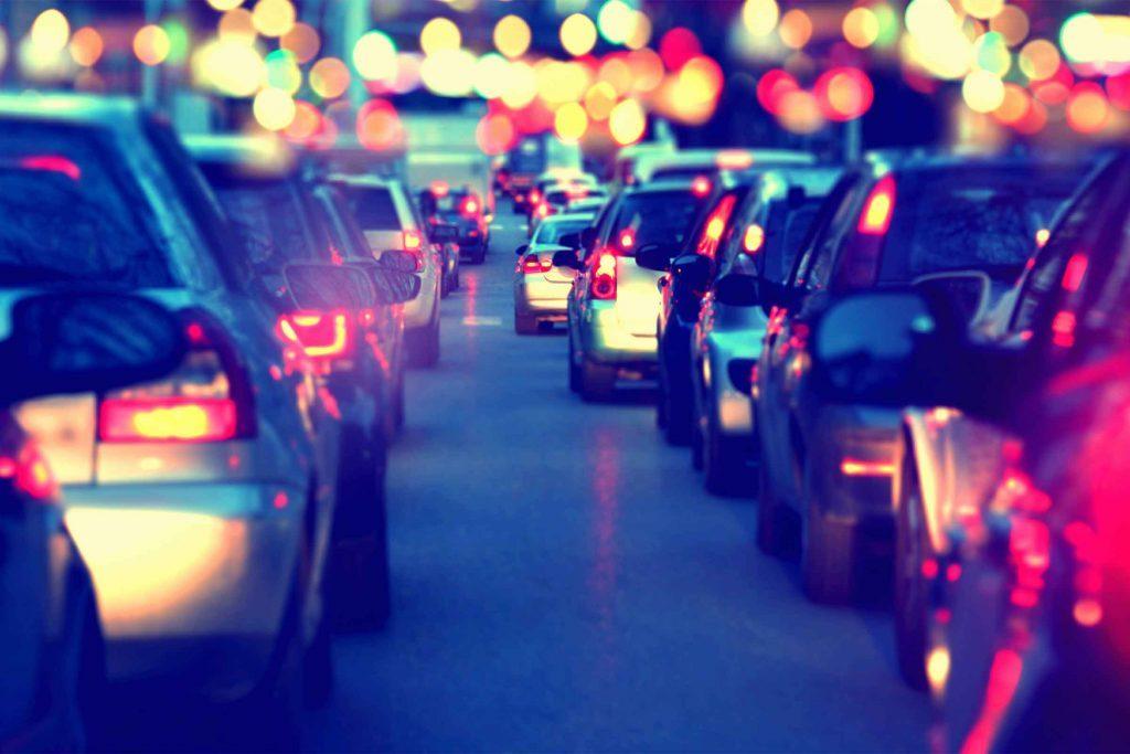 Évitez les changements de voies quand vous êtes dans le traffic.