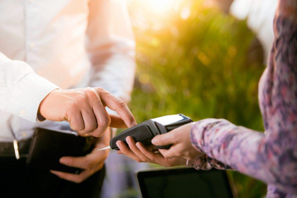 Les paiements différés sont une astuce des détaillants pour que vous puissiez avoir votre produit sans le payer maintenant.
