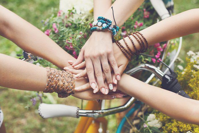 Il est plus fréquent d'endurer une amitié dans laquelle nous ne sommes pas heureux qu'une relation de couple.
