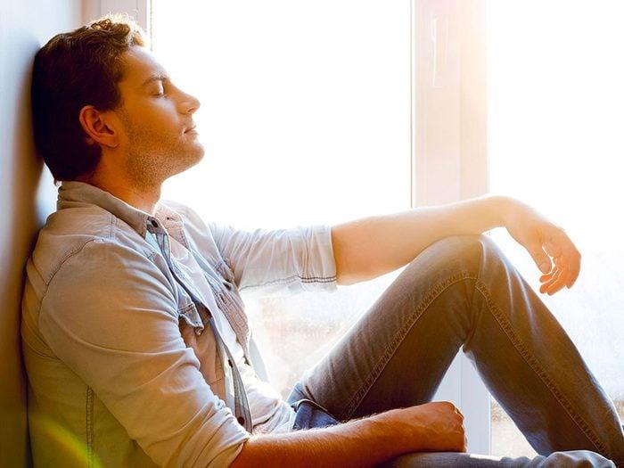 La thérapie cognitive comportementale pour mieux vivre avec l'acouphène.