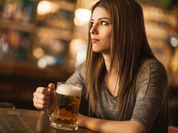Pour réduire sa consommation d'alcool: il ne faut jamais boire pour trouver du réconfort.