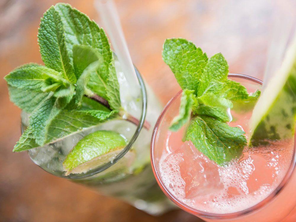 Remplacer une mauvaise habitude par une bonne pour réduire sa consommation d'alcool.