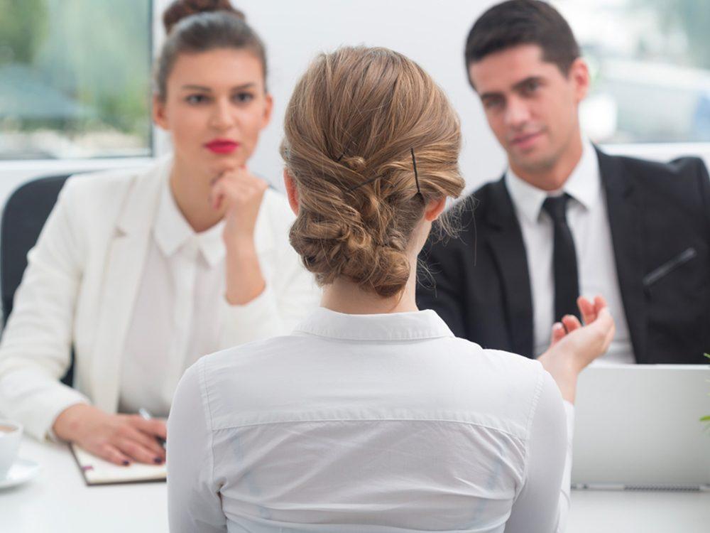 Lors d'une entrevue d'embauche, prononcez souvent le nom de votre interlocuteur.