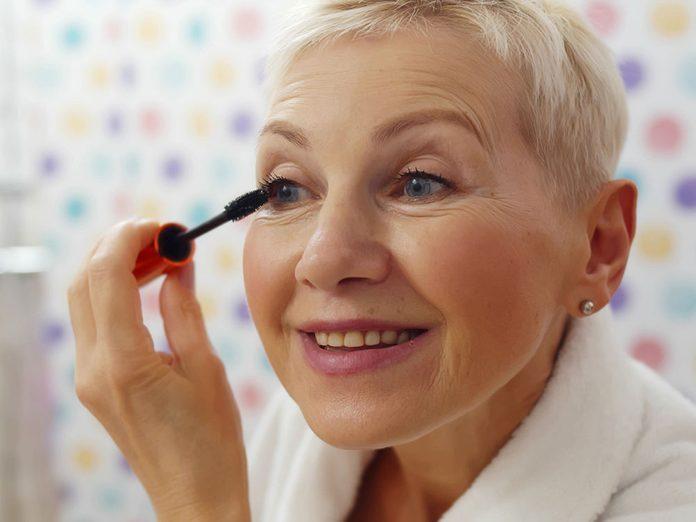 Attention aux erreurs de maquillage en utilisant le mascara.