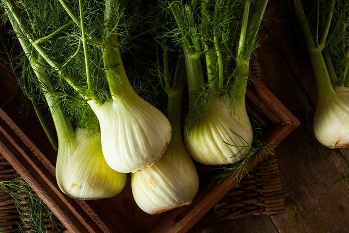 Fenouil: bienfaits santé d'un légume faible en calories.