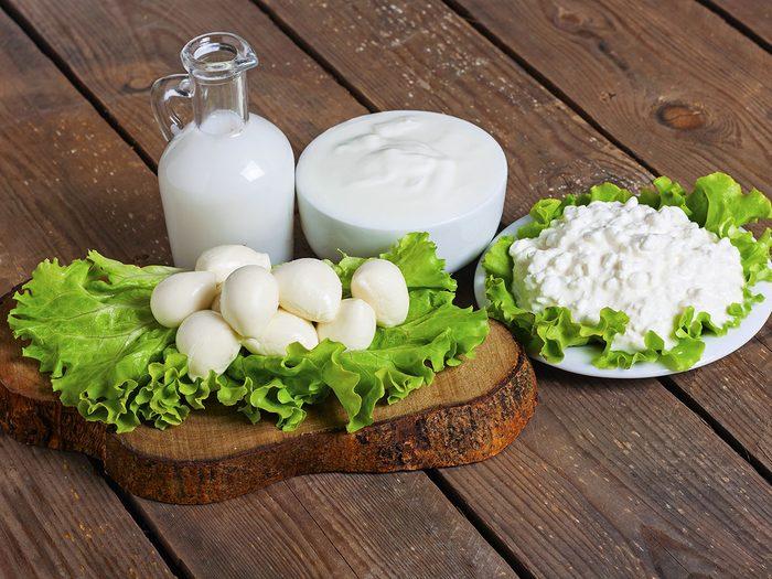 Les aliments riches en lactose provoquent des maux de ventre er des gaz.