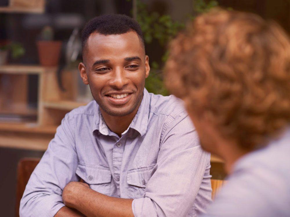Séduire: identifiez vos habitudes en demandant à vos amis de dresser un portrait de vous-même.