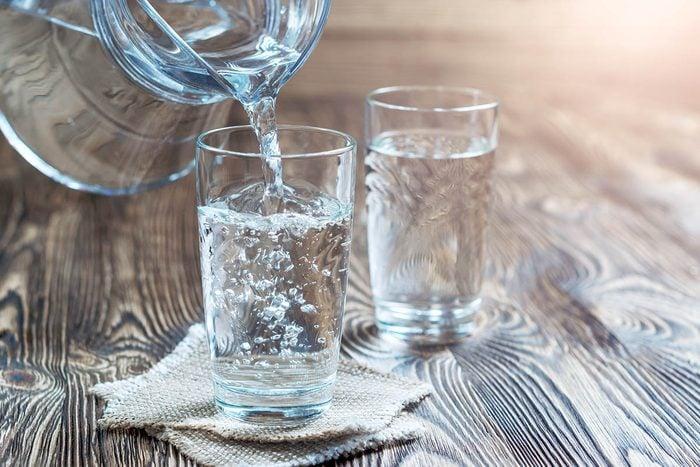 En cas de toux, assurez-vous de boire de l'eau régulièrement.