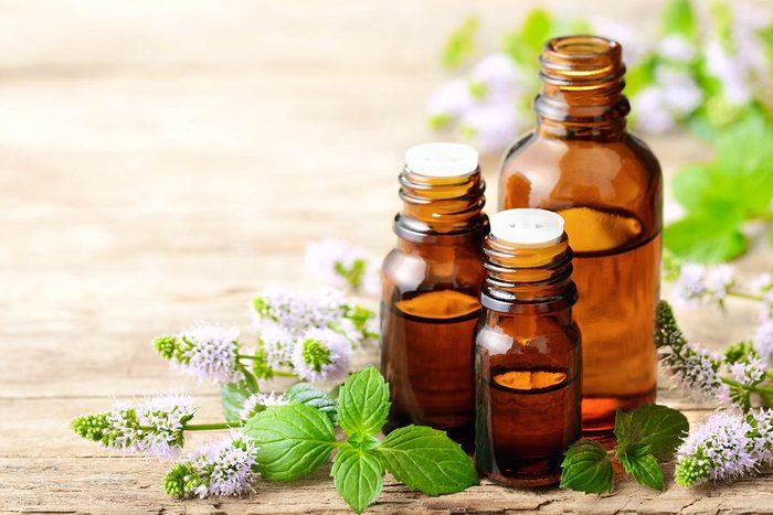 En cas de toux, ajoutez de la menthe poivrée au diffuseur d'huile essentielle.