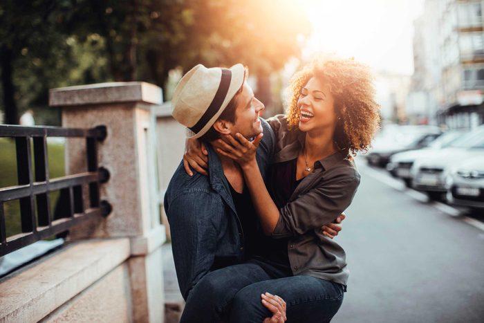 Les couples durables peuvent être honnêtes sans avoir peur du jugement de l'autre.