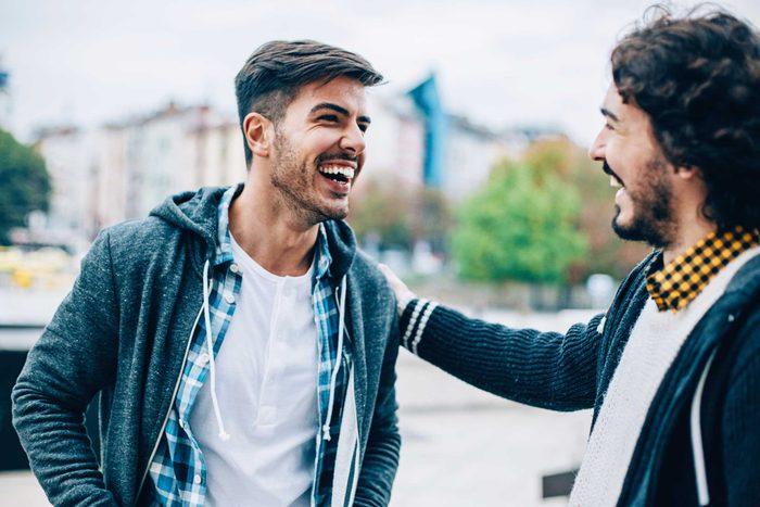 Un des signes d'un couple durable est que vous n'avez pas envie de vous plaindre de votre partenaire à vos amis.