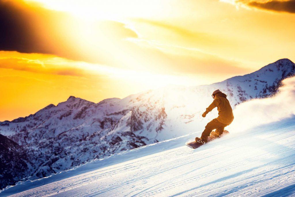 Les dermatologues recommandent d'utiliser un écran solaire même en hiver.