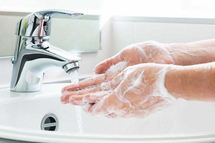 Pendant votre croisière, lavez-vous les mains régulièrement, les risques de virus et d'épidémies sont élevés.