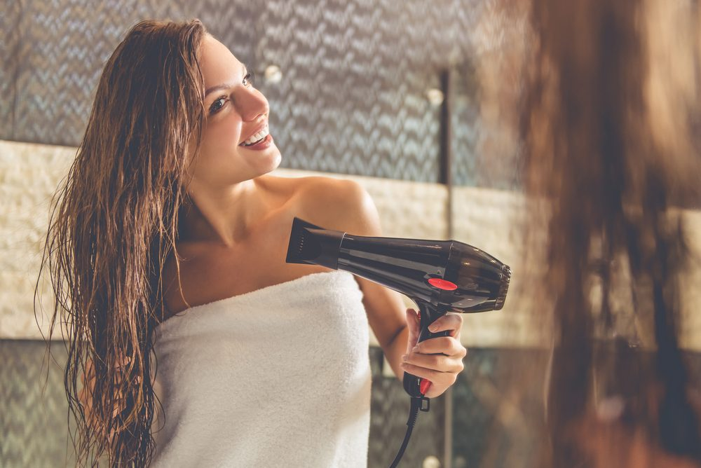 Si vos cheveux sont très abimés, utilisez un shampoing nourrissant et hydratanté