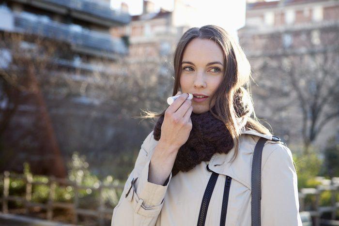 Moins cher, le baume à lèvre pour hommes peut être utiliser par les femmes.