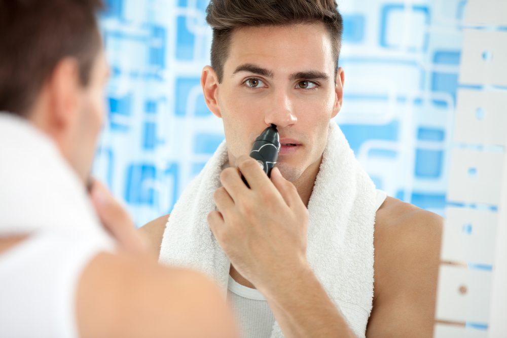 La tondeuse de poils de nez est un accessoire de beauté pour homme que les femmes peuvent voler.