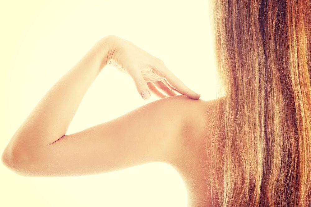 Faire des exercices isométriques est une façon simple et efficace de muscler vos bras.