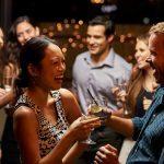Relations: 35 trucs pour entamer une conversation (et capter l'attention!)