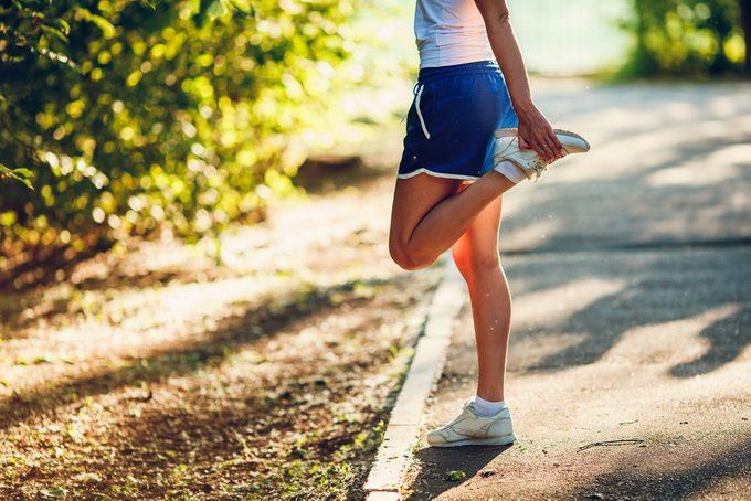 Crampes dans les jambes: aliments et astuces pour mieux prévenir les crampes.