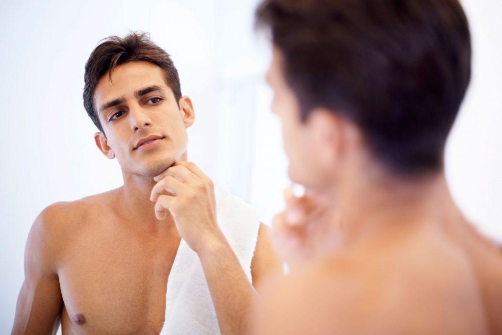 La douche rend votre peau sujette aux démangeaisons