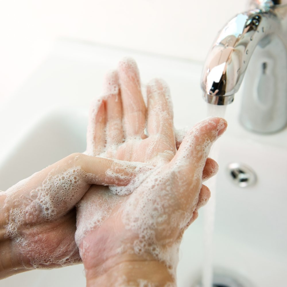Lavez vos mains, pour éviter l'intoxication alimentaire