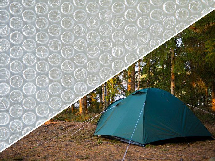 Mieux dormir en camping grâce au papier bulle.