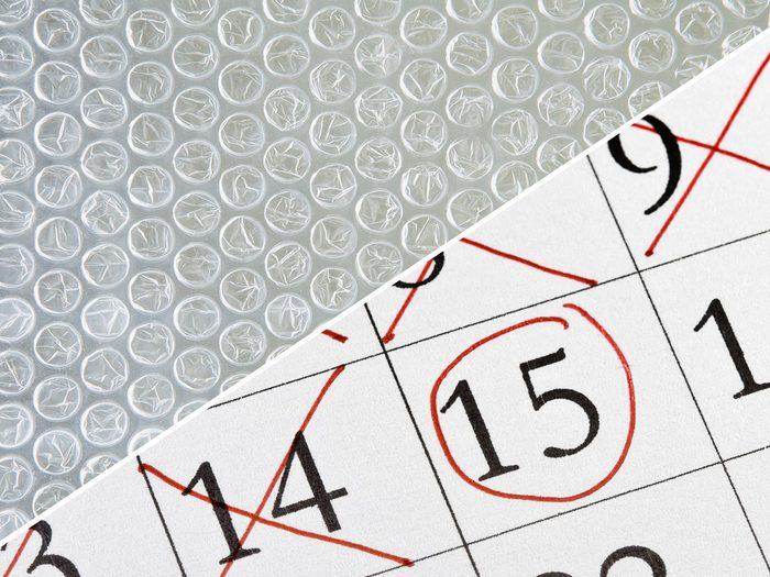 Transformer le papier bulle en un calendrier à rebours.