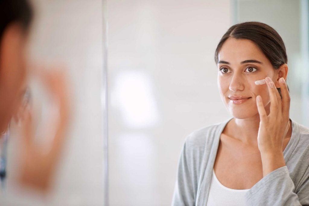 Pour faire durer plus longtemps votre parfum: Commencez par une lotion non parfumée