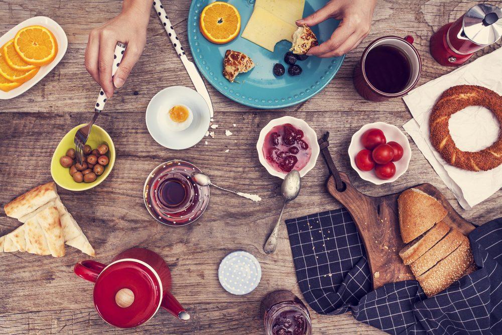 Pour maintenir un poids santé après avoir suivi un régime amaigrissant, suivez ces conseils et astuces.