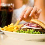 Restauration rapide: 8 trucs et astuces pour manger santé
