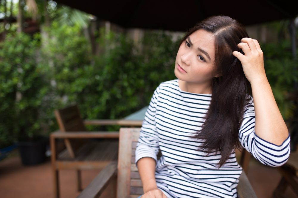 Pour soulager les cheveux ou le cuir chevelu qui démange, utilisez le bon shampoing.