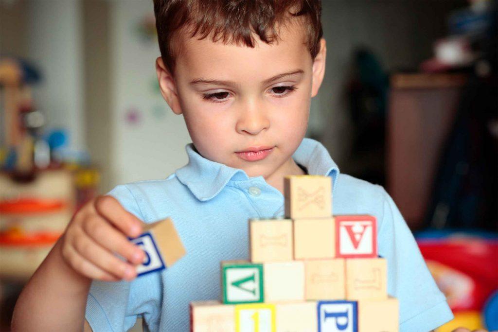 Vaccination : les vaccins peuvent causer l'autisme