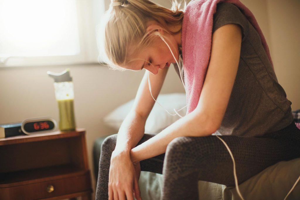 Le manque de sommeil peut vous faire éprouver de la fatigue et de la difficulté à faire de l'exercice.