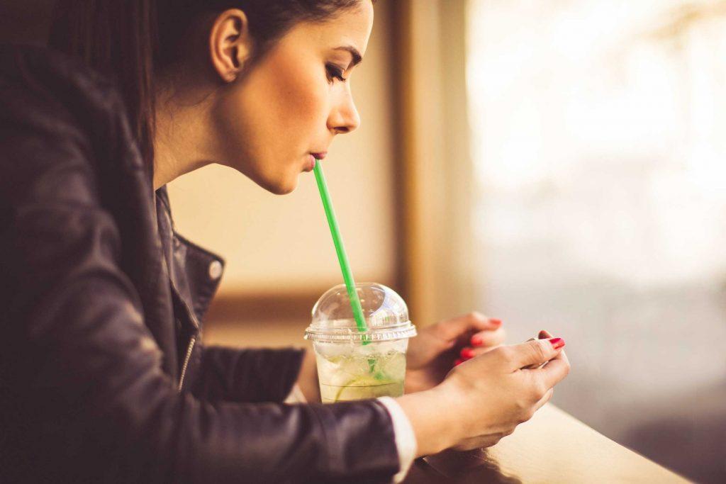 Manger trop vite peut causer des flatulences