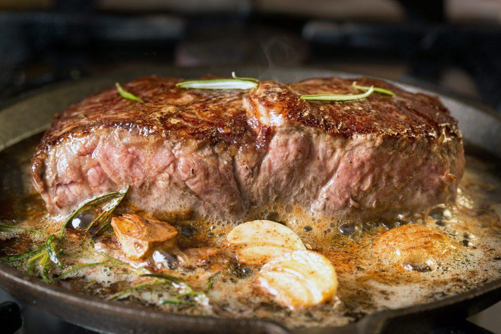 Lorsque vous êtes diabétiques, il est important de surveiller votre consommation de viande rouge.