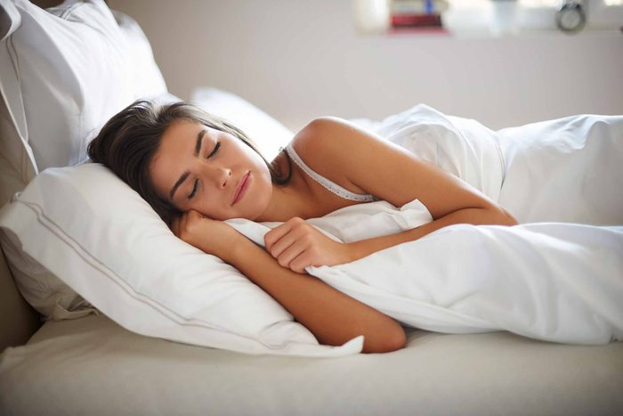 Essayez la relaxation musculaire pour vous aider à vous rendormir la nuit.
