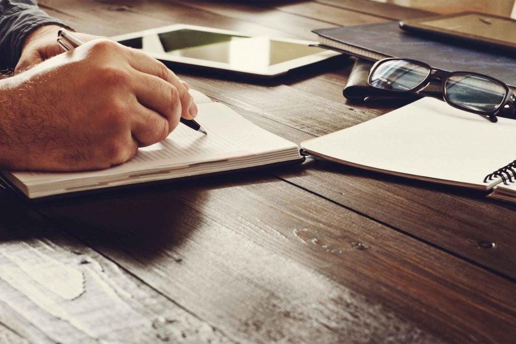 Afin de mettre votre interlocuteur en confiance, ne prenez pas trop de notes.