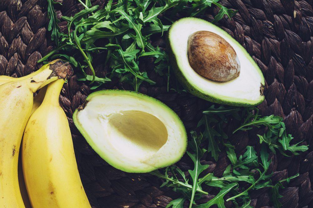 Aliments frais: conservez l'avocat avec les bananes