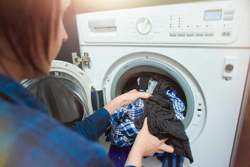 Erreur de lavage: laver les couleurs vives à l'eau chaude
