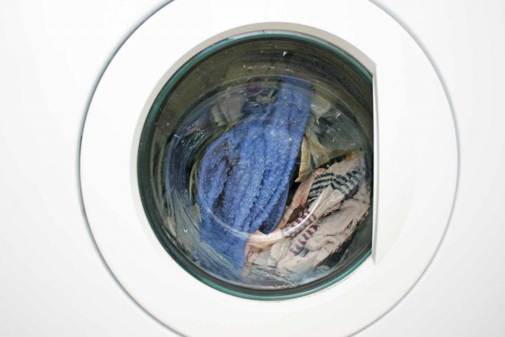 Erreur de lavage : oublier de vider les poches