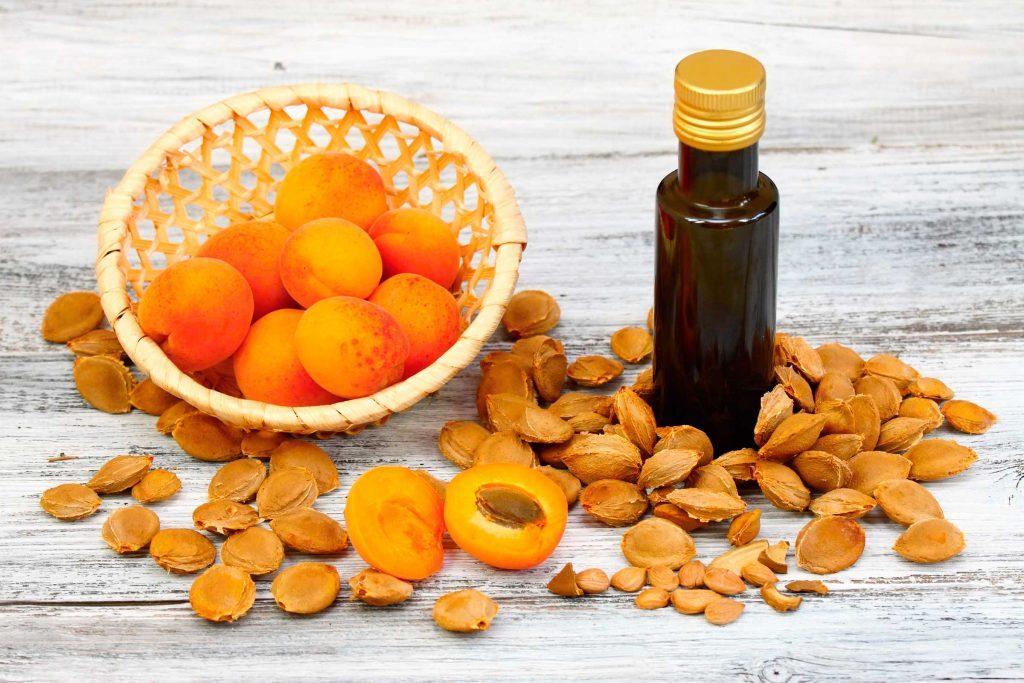 L'huile de noyau d'abricot favorise la régénération des cellules cutanées