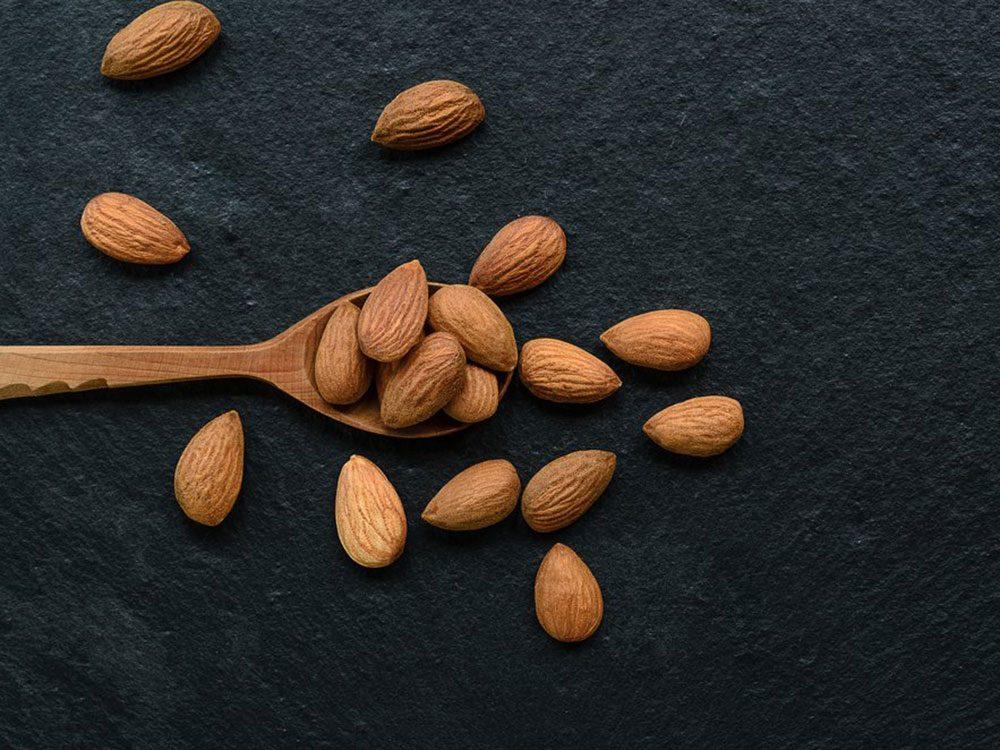 Prenez de petites collations dans le cadre d'un régime alimentaire pour diabétique.