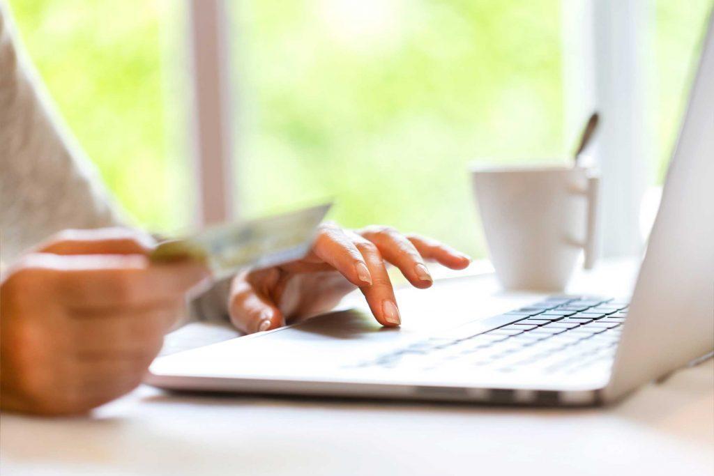 Payer une facture est l'une des choses que vous devez savoir pour devenir un adulte.