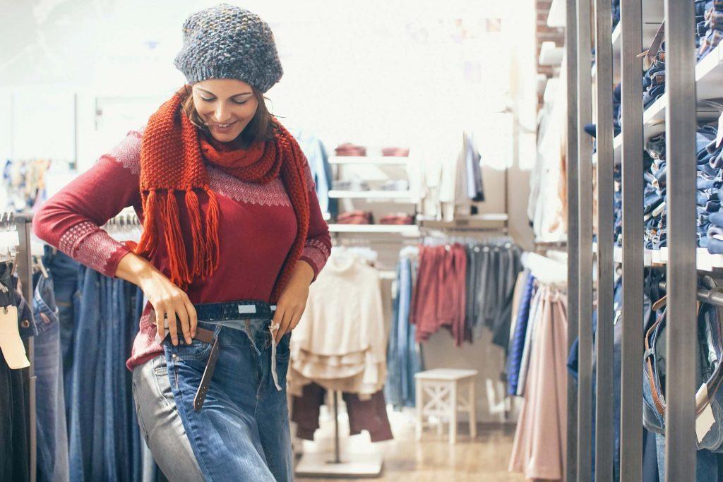 Suivre trop la mode peut vous faire paraitre plus vieille.