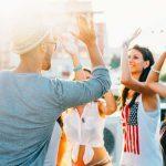 11 astuces pour être plus à l'aise en société