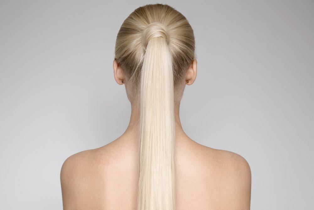 Essayez d'autres coiffures, pour vos cheveux gris