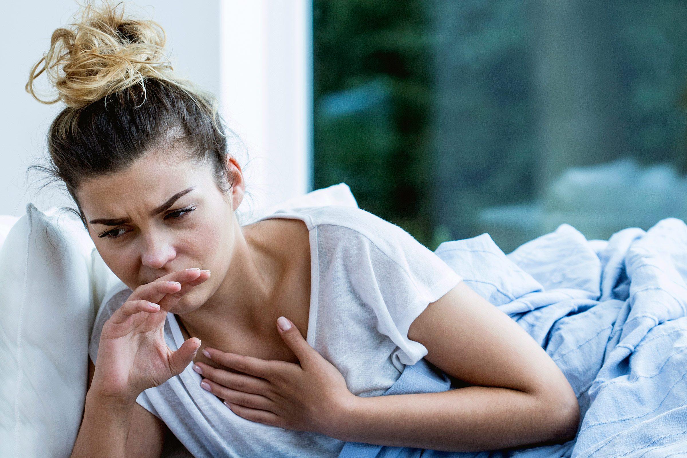 Des nausées peuvent être un symptôme de cancer des ovaires.
