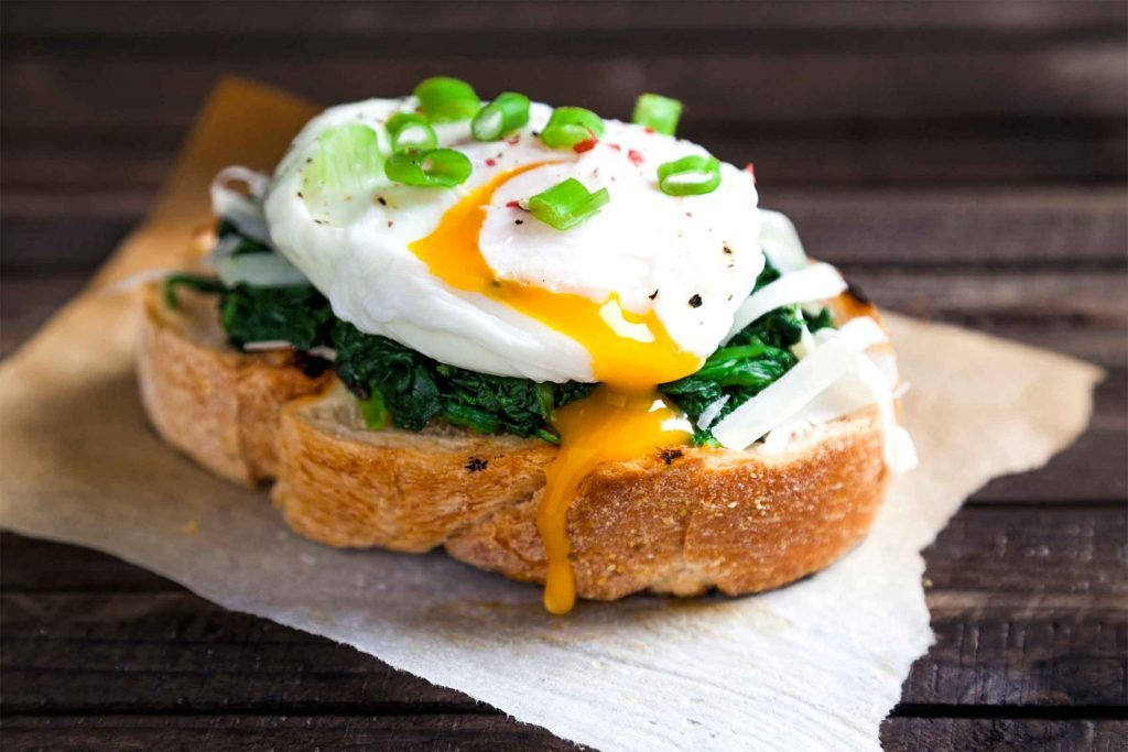 La consommation de gras saturés peut causer des problèmes de cholestérol.
