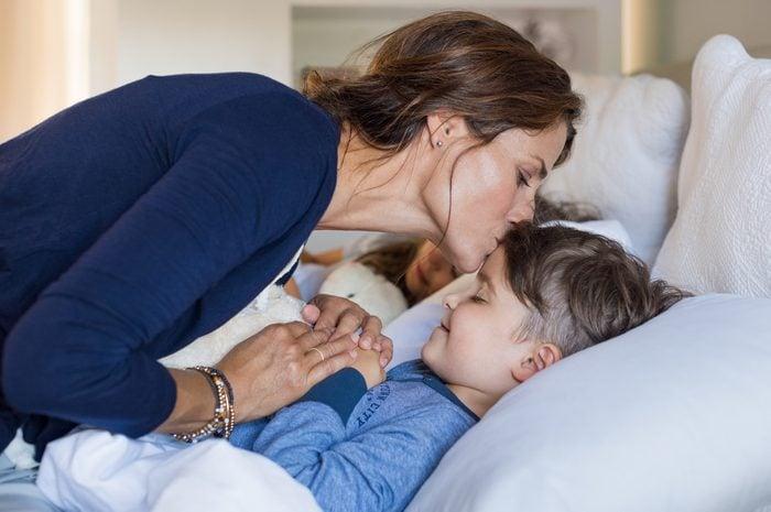 aider votre enfant à se détendre afin de le mettre au lit plus tôt.