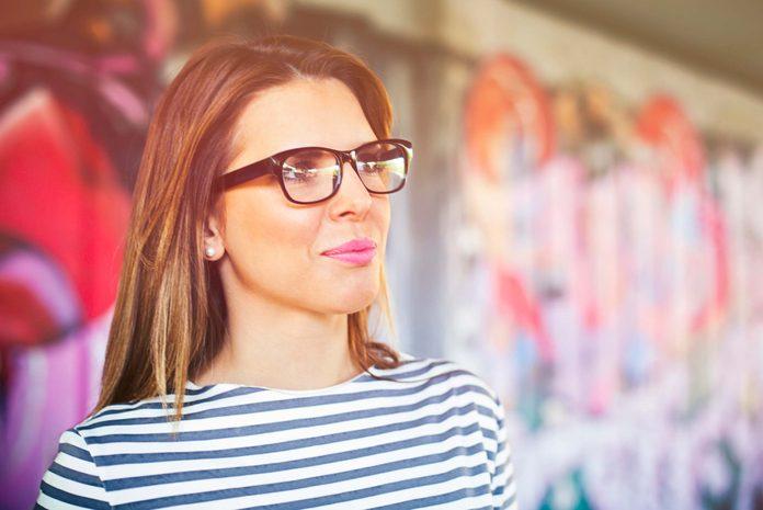 Choisissez bien vos lunettes pour ne pas paraitre plus vieille.